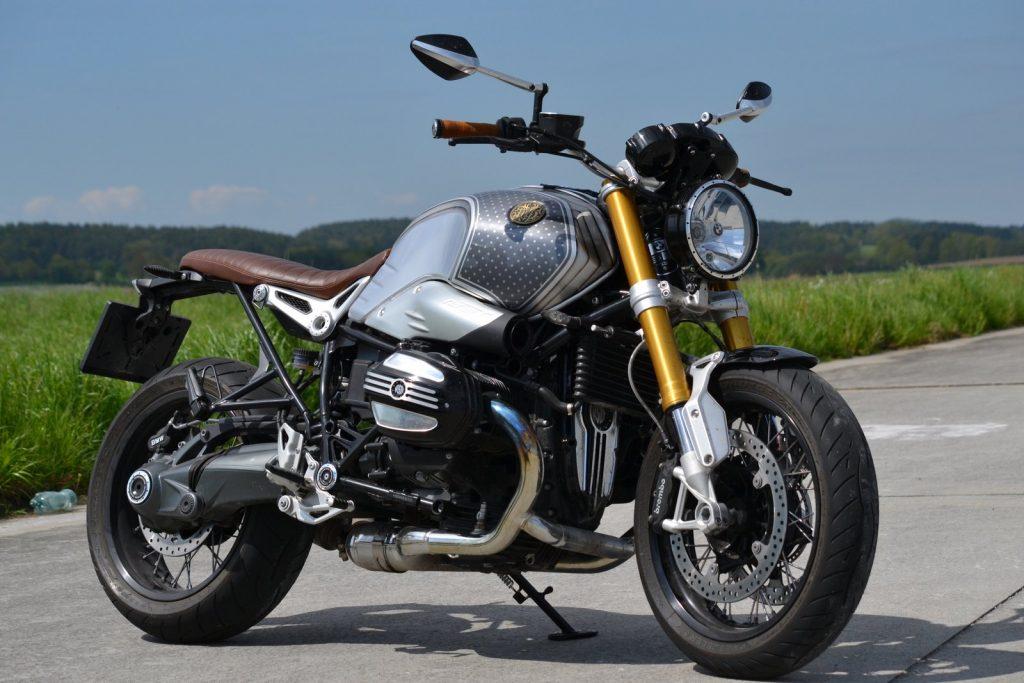 Je to dané aj tým (okrem toho ako dokáže ovládať motorku) 00133a69a2